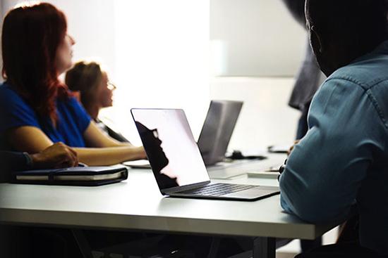 8c46937e9be La Maison de l emploi regroupe de nombreux services pour l emploi et  l insertion. Elle offre un espace d accompagnement à l emploi